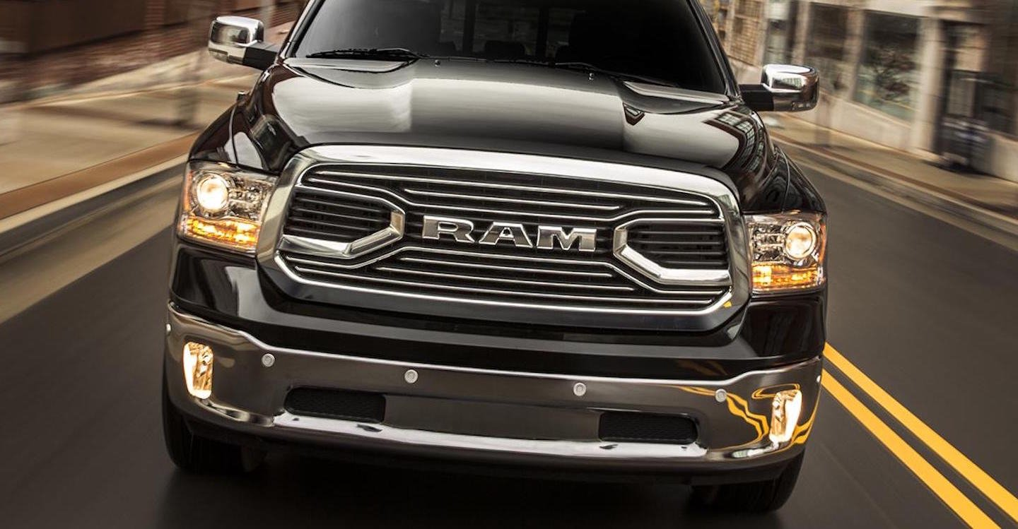 2016-Ram-1500-Limited-Grille