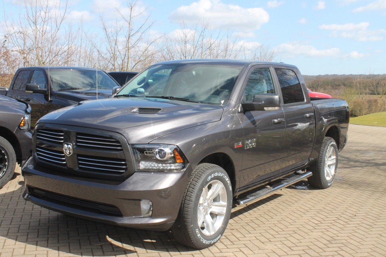 new 2016 dodge ram 1500 crew cab sport with ramboxes. Black Bedroom Furniture Sets. Home Design Ideas