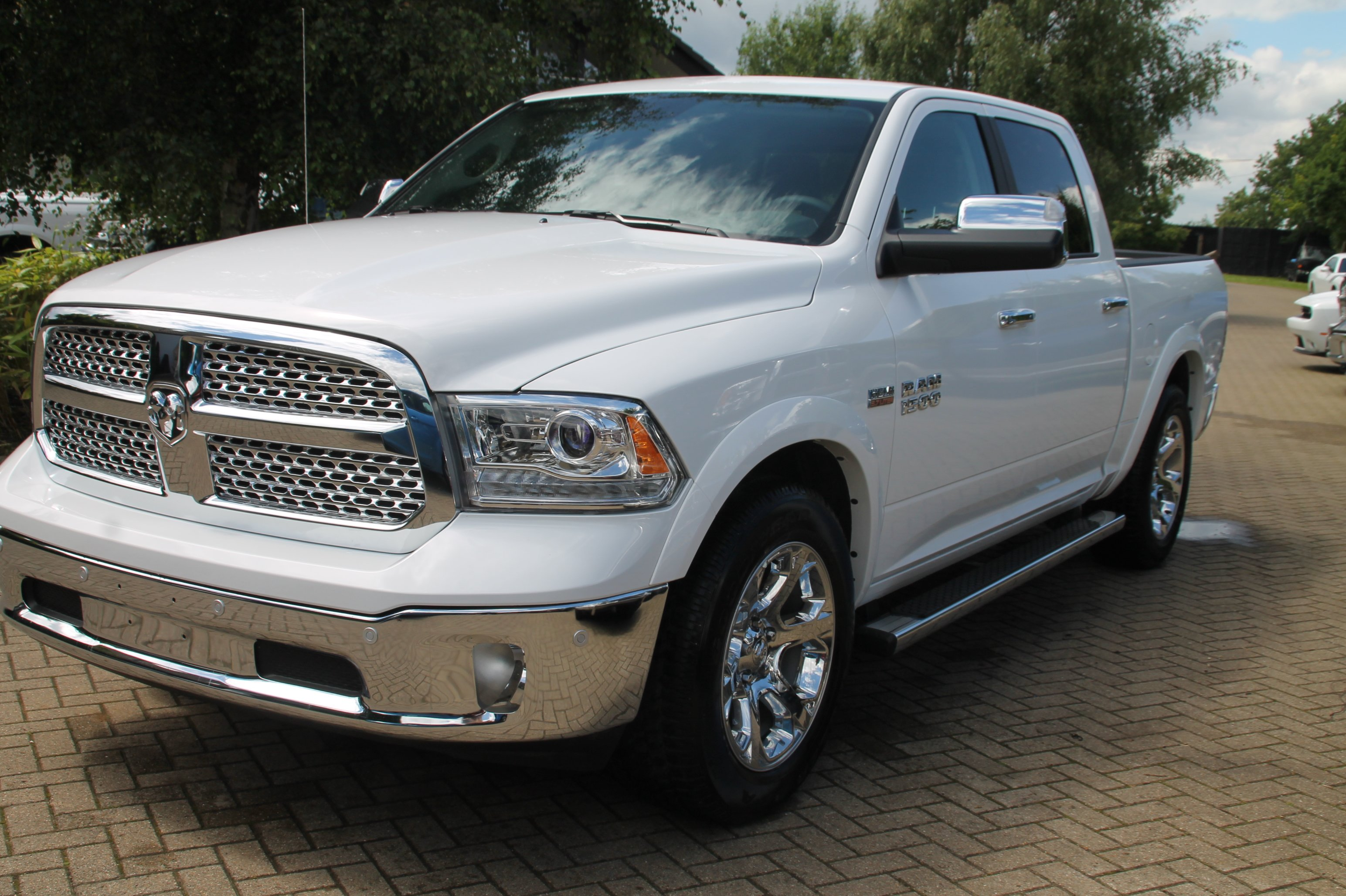 2016 dodge ram 1500 crew cab laramie 4x4 with air 51st state autos. Black Bedroom Furniture Sets. Home Design Ideas