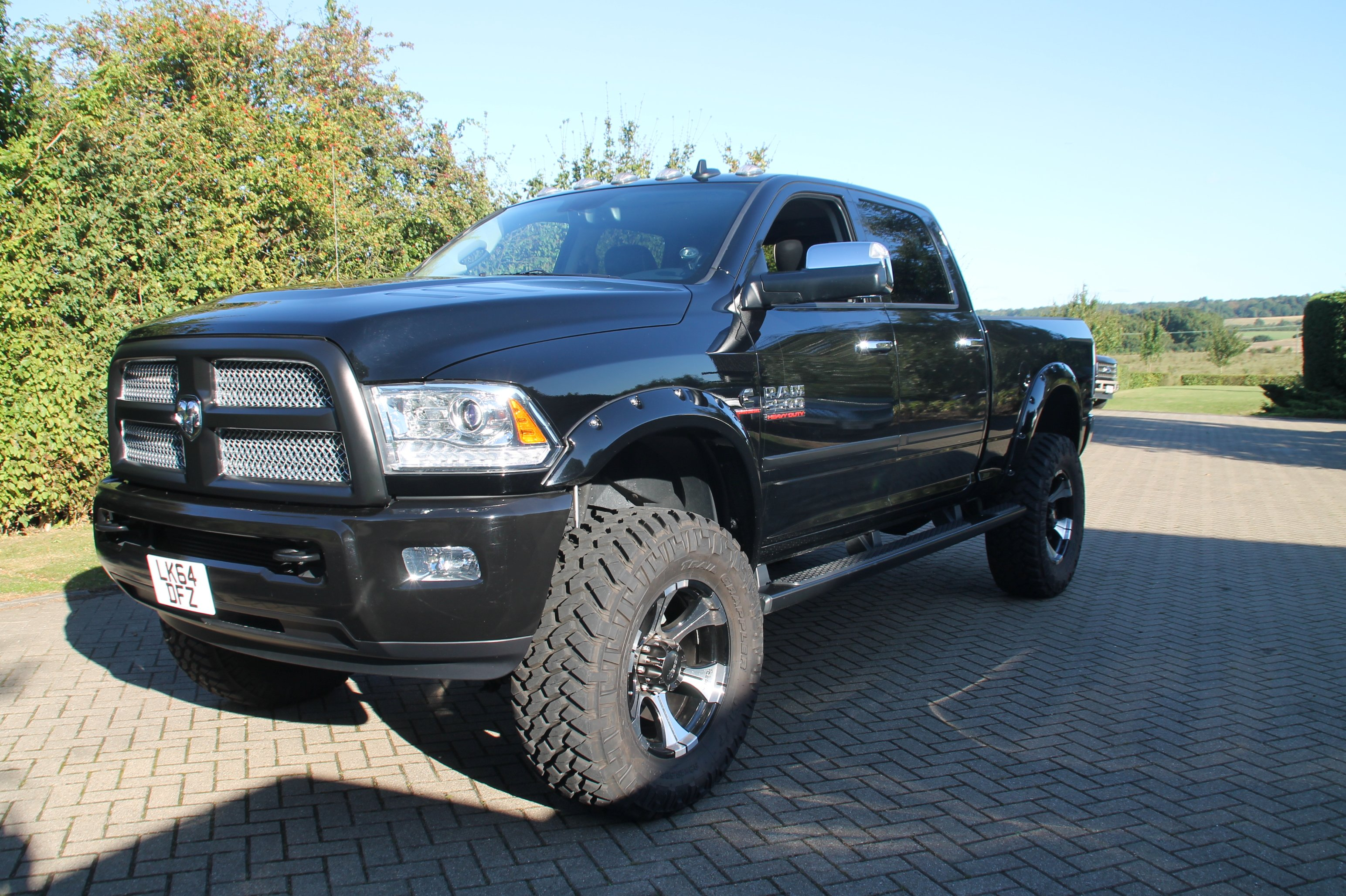 2014 dodge ram 2500 limited crew cab diesel monster truck. Black Bedroom Furniture Sets. Home Design Ideas