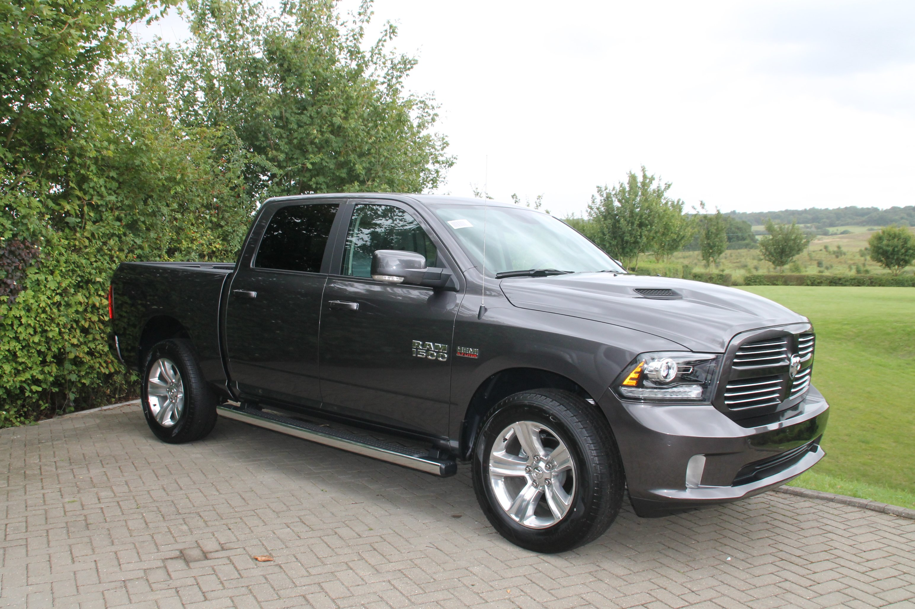 2017 dodge ram 1500 crew cab sport 51st state autos. Black Bedroom Furniture Sets. Home Design Ideas