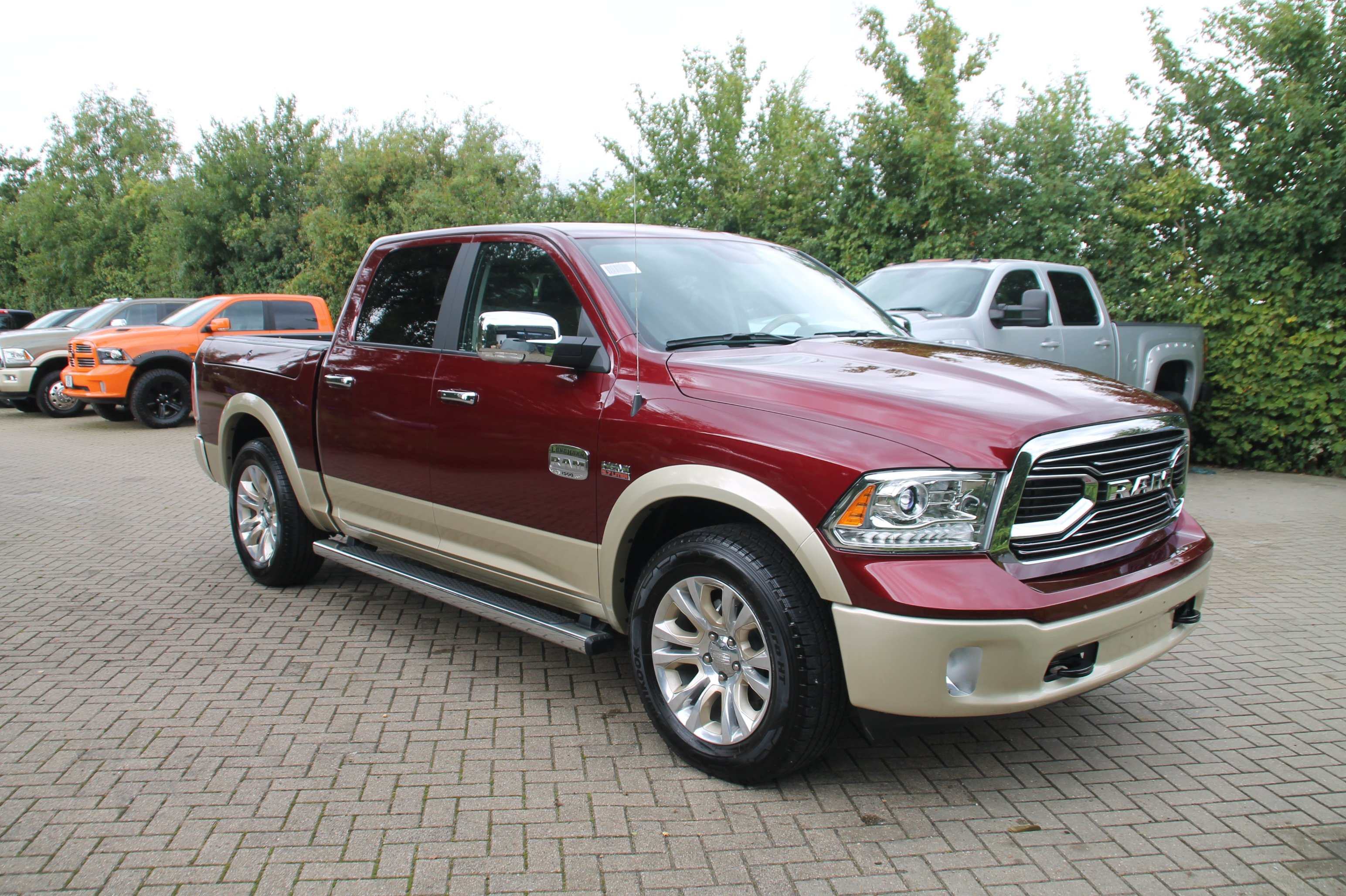dodge ram 1500 longhorn crew cab 4x4 5 7 4dr brand new 51st state autos. Black Bedroom Furniture Sets. Home Design Ideas